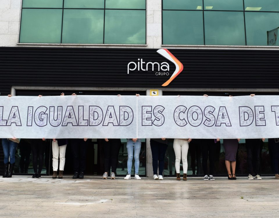 """Pancarta """"La igualdad es cosa de todos"""" en PITMA Cantabria"""