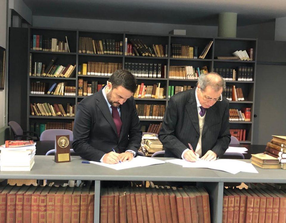 Firma del acuerdo entre PITMA y Ateneo de Santander