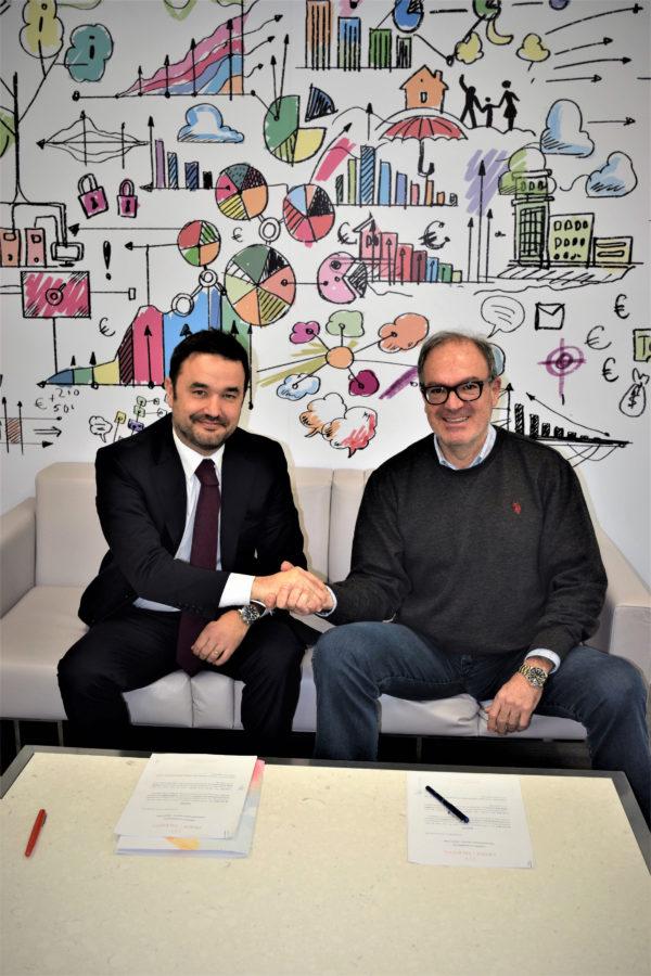 Firma del acuerdo con Asociación Mujer y Talento