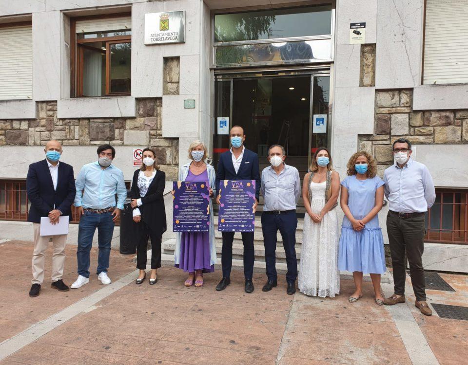 Autoridades, organizadores y patrocinadores de Viva la Vida Torrelavega
